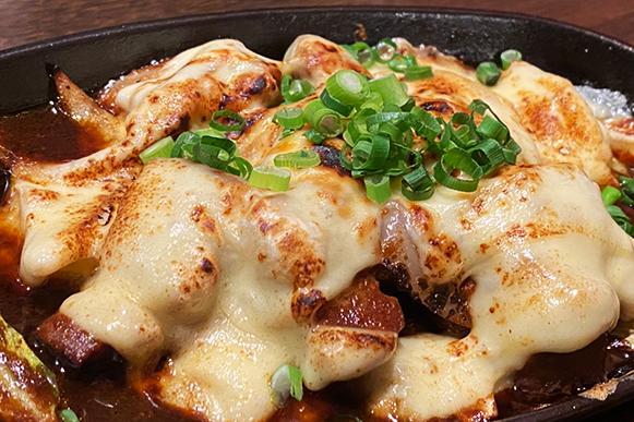 三枚肉とチーズのコチュジャン炒め(チーズタッカルビ風)